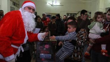Weihnachts- geschenke für Flüchtlingskinder Dezember 2014