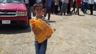 Lebensmittelverteilung für 400 intern vertriebene Familien in Deralok, Nordirak