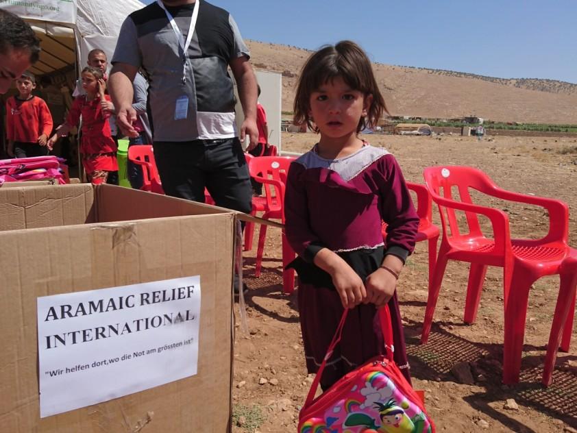 Verteilung von Lebensmittelpakete und Schulmaterial in Sinjar-Irak, August 2016