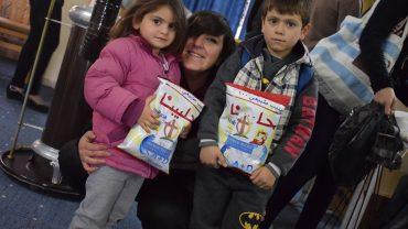 Monatliche Verteilung von Babymilch und Windeln in Sadad, Syrien, Dez 2017